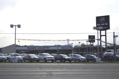 Kunes Country Chrysler Dodge Jeep Ram of Sterling Image 2