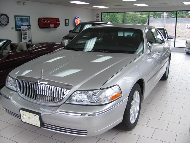 Used 2008 Lincoln Town Car Signature Limited Sedan In Holyoke Ma