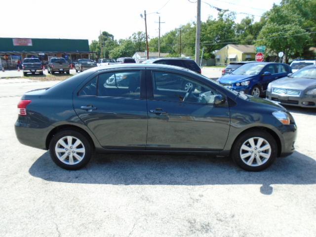 2009 Toyota Yaris for Sale in Olathe, KS - Image 1