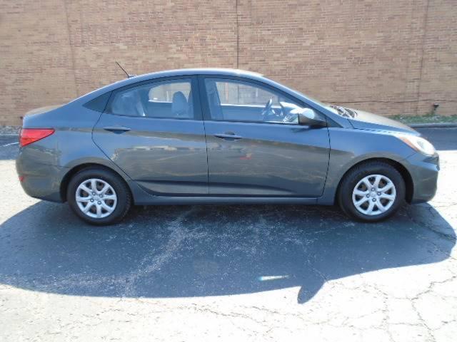Used Hyundai Accent >> Used 2012 Hyundai Accent Gls Sedan In Olathe Ks Near 66061
