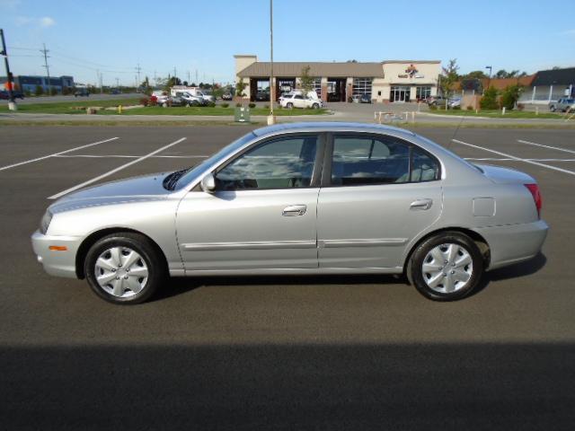 2004 Hyundai Elantra for Sale in Olathe, KS - Image 1