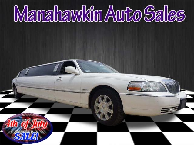 2008 Lincoln Town Car for Sale in Manahawkin, NJ - Image 1