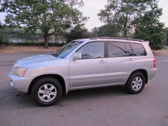 2002 Toyota Highlander for Sale in Newark, NJ - Image 1