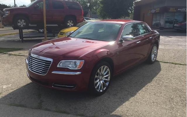 Chrysler 300 2013 for Sale in Dearborn Heights, MI