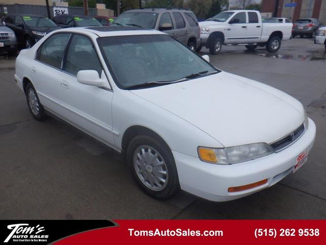 1996 Honda Accord for Sale in Des Moines, IA - Image 1