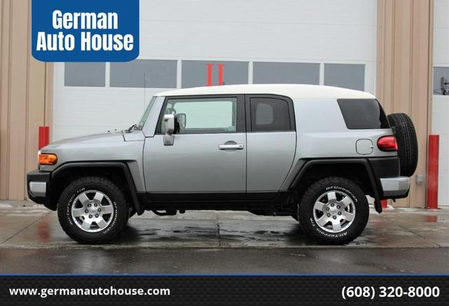 2010 Toyota FJ Cruiser for Sale in Madison, WI - Image 1