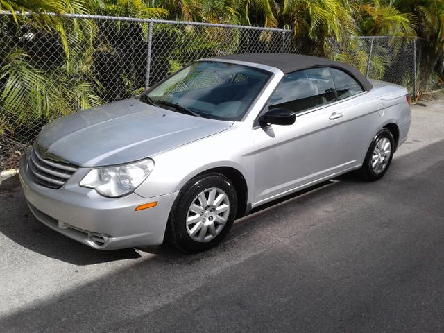 2008 Chrysler Sebring for Sale in Fort Lauderdale, FL - Image 1
