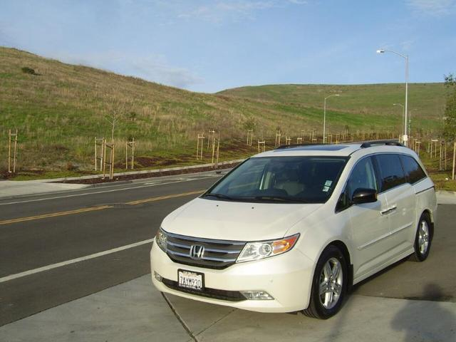 2013 Honda Odyssey for Sale in Hayward, CA - Image 1