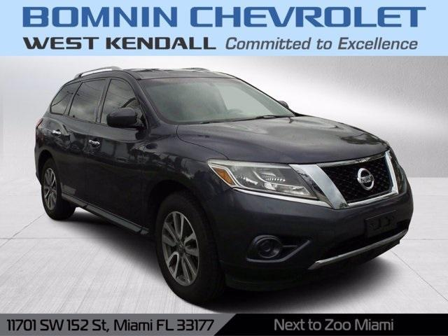 2013 Nissan Pathfinder for Sale in Miami, FL - Image 1
