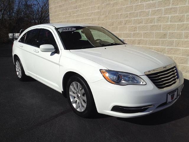 2014 Chrysler 200 for Sale in Rockford, IL - Image 1