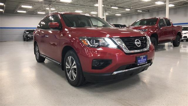 2017 Nissan Pathfinder for Sale in Lake Bluff, IL - Image 1