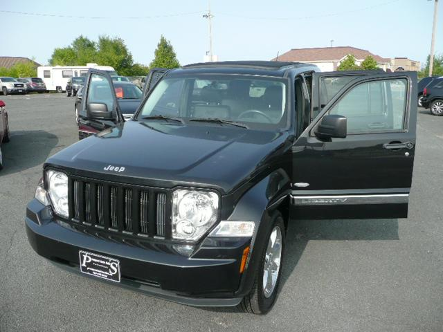 2012 Jeep Liberty for Sale in Osseo, MN - Image 1