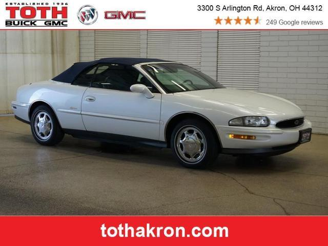 Buick Riviera 1996 for Sale in Akron, OH