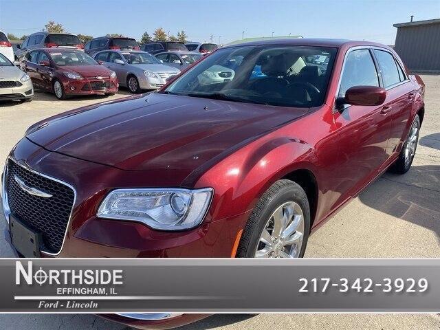 2016 Chrysler 300 for Sale in Effingham, IL - Image 1
