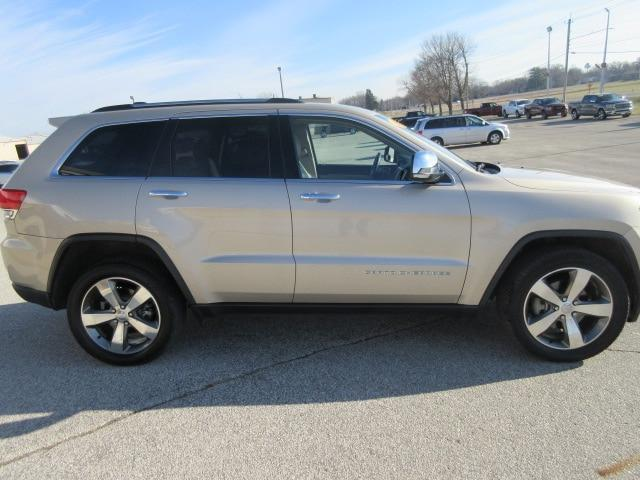 2015 Jeep Grand Cherokee for Sale in Waverly, IA - Image 1