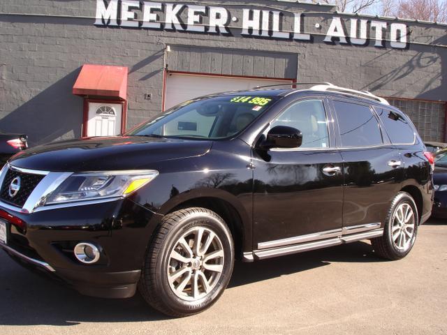 2013 Nissan Pathfinder a la venta en Germantown, WI - Image 1