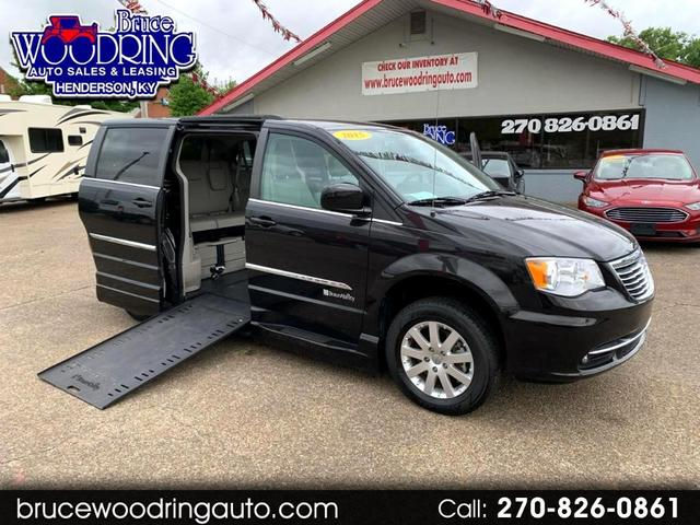 2015 Chrysler Town & Country for Sale in Henderson, KY - Image 1