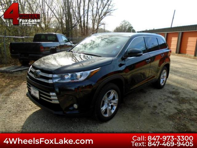 2017 Toyota Highlander for Sale in Fox Lake, IL - Image 1