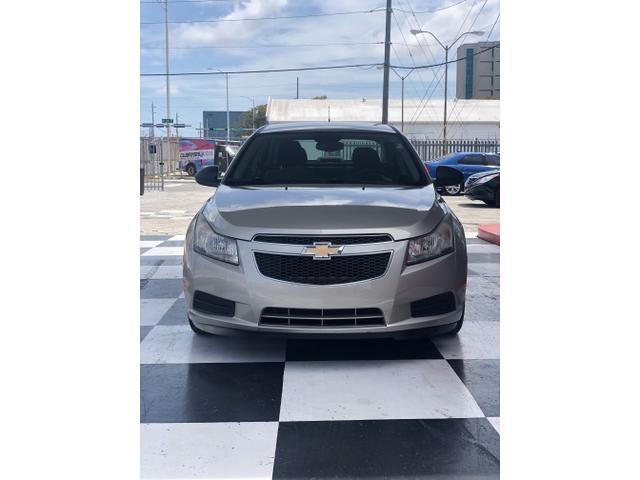 Chevrolet Cruze 2013 for Sale in Miami, FL