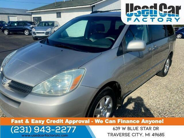 2004 Toyota Sienna for Sale in Traverse City, MI - Image 1