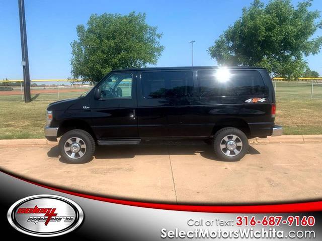 2012 Ford E350 Super Duty for Sale in Wichita, KS - Image 1