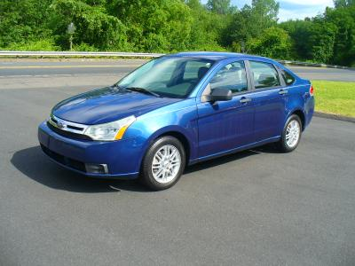 used 2009 Ford Focus car, priced at $5,750