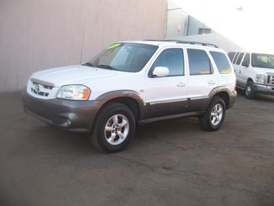 used 2005 Mazda Tribute car, priced at $3,649