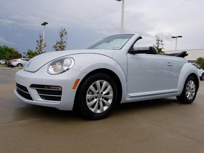 new 2018 Volkswagen Beetle car