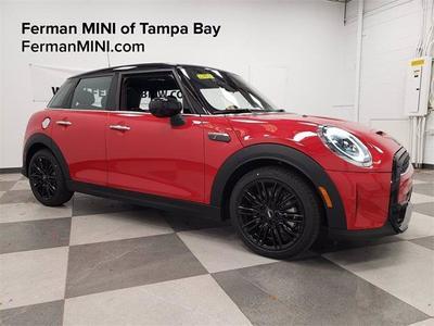new 2022 MINI Hardtop car, priced at $33,750