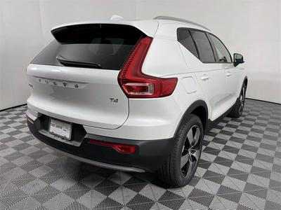new 2021 Volvo XC40 car, priced at $38,263