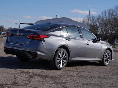 new 2021 Nissan Altima car, priced at $33,550