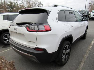 new 2019 Jeep Cherokee car, priced at $33,660