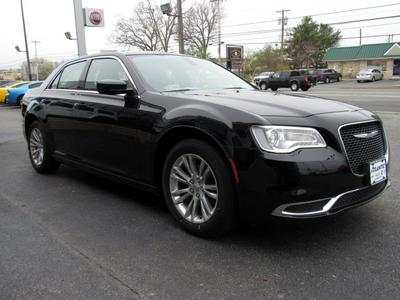 new 2019 Chrysler 300 car, priced at $34,035