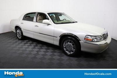 used 2006 Lincoln Town Car car, priced at $7,899