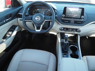 new 2020 Nissan Altima car
