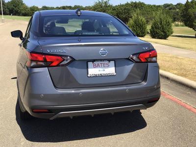new 2020 Nissan Versa car