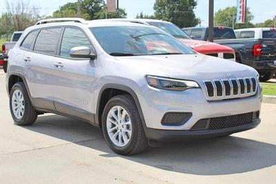 new 2020 Jeep Cherokee car, priced at $19,077