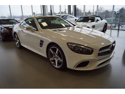new 2019 Mercedes-Benz SL 550 car, priced at $114,545