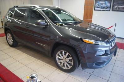 used 2016 Jeep Cherokee car, priced at $18,995