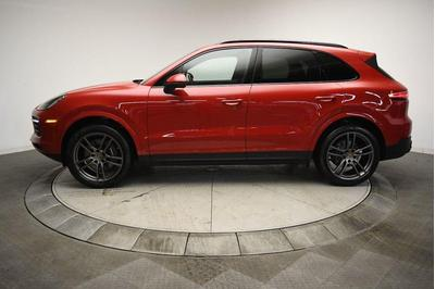 new 2021 Porsche Cayenne car