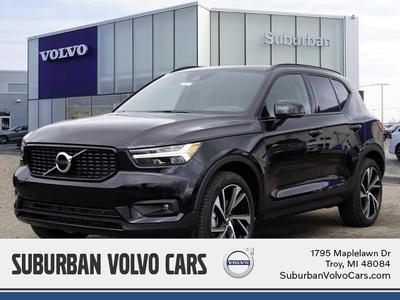 new 2021 Volvo XC40 car, priced at $44,377