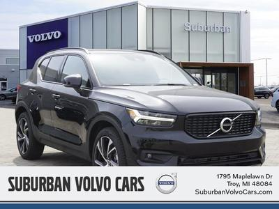 new 2021 Volvo XC40 car, priced at $43,625
