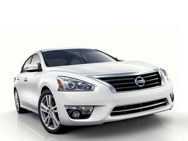 used 2014 Nissan Altima car, priced at $10,000