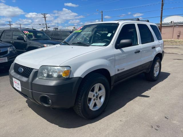 used 2005 Ford Escape Hybrid car, priced at $6,995