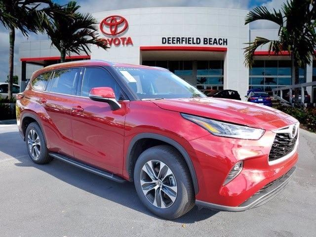 new 2021 Toyota Highlander car, priced at $42,400