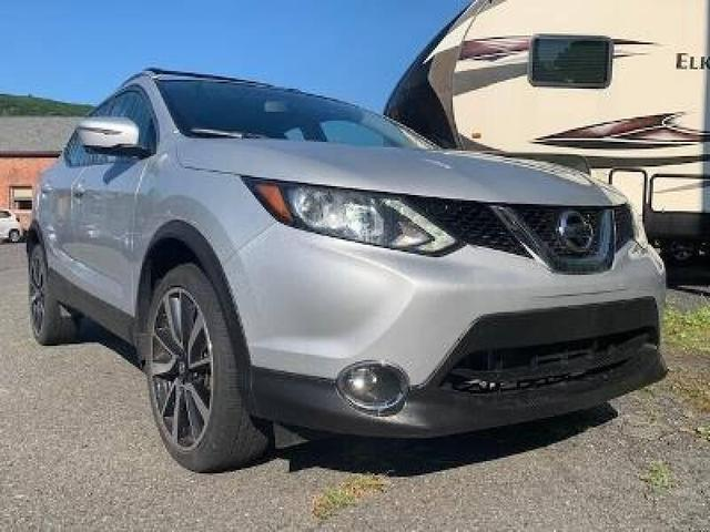 used 2017 Nissan Rogue Sport car