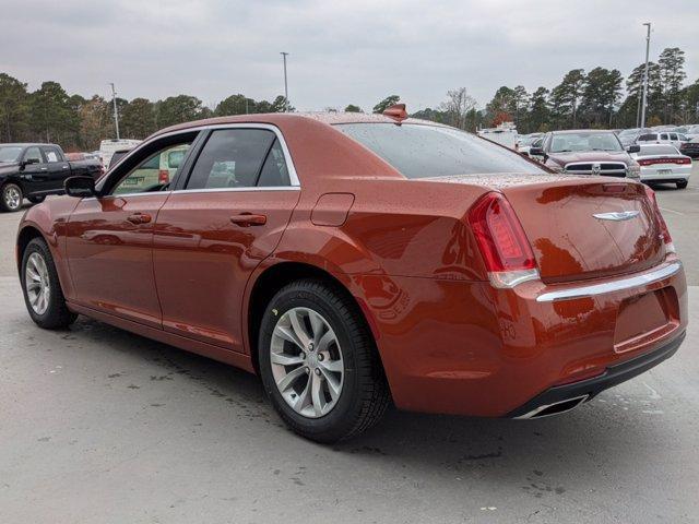 new 2021 Chrysler 300 car, priced at $28,969