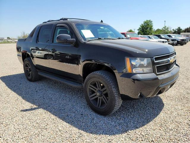 used 2009 Chevrolet Avalanche car, priced at $13,995