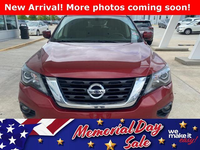 used 2017 Nissan Pathfinder car, priced at $21,384