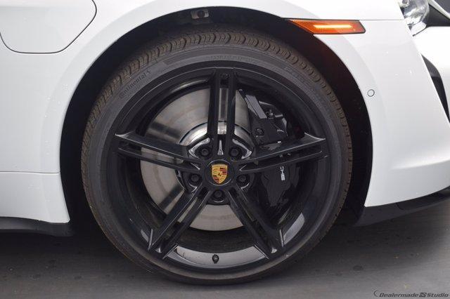 new 2020 Porsche Taycan car
